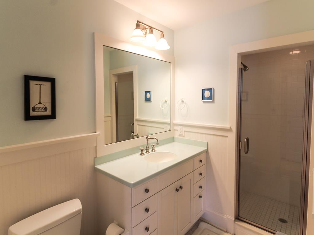 210 121st Street Stone Harbor NJ Beach Rentals Master Bedroom