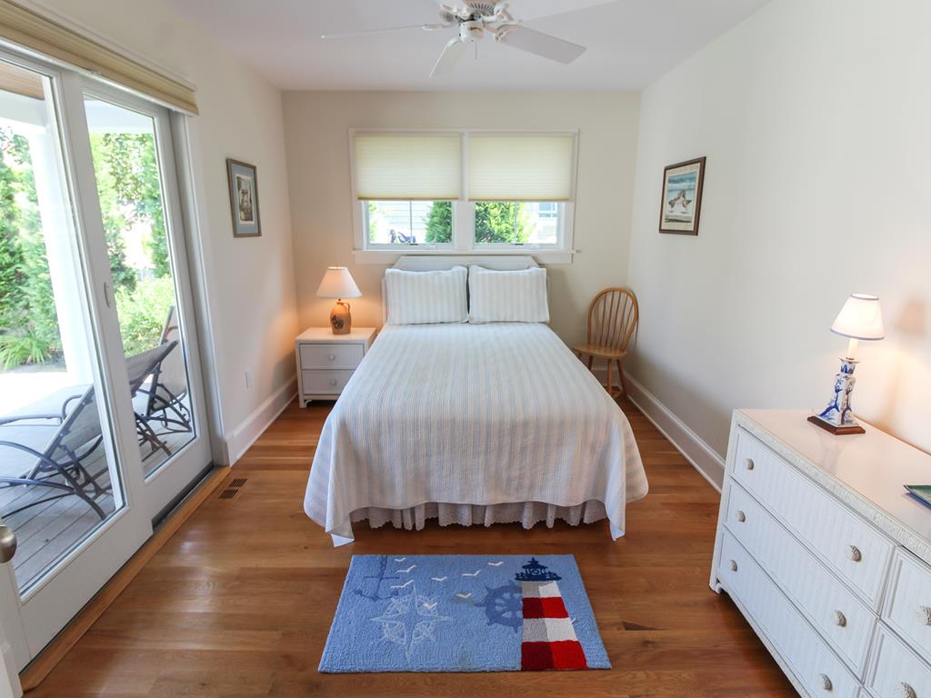 210 121st Street Stone Harbor NJ Beach House Rentals 2nd Fl Bedroom