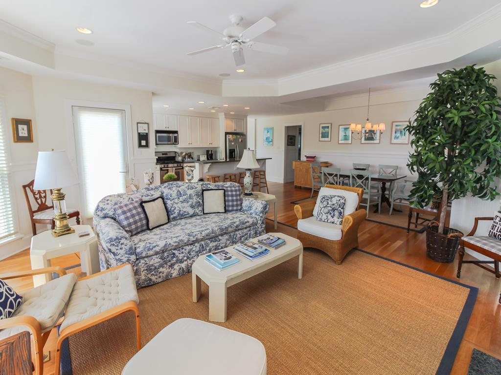 210 121st Street Stone Harbor NJ Rental Home 1st Fl Bedroom