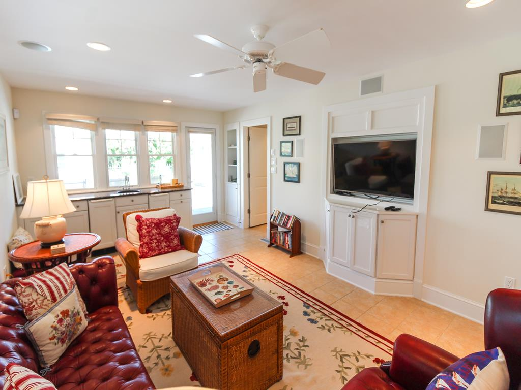 210 121st Street Stone Harbor NJ Rental Home Living Area View 2