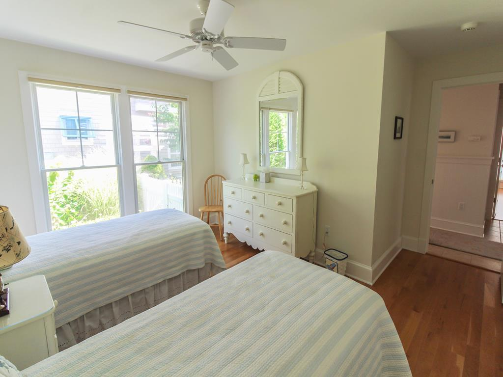 210 121st Street Stone Harbor NJ Vacation Rentals Den