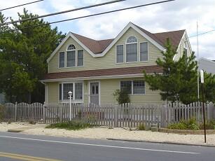 13515 Beach Avenue, Beach Haven Gardens