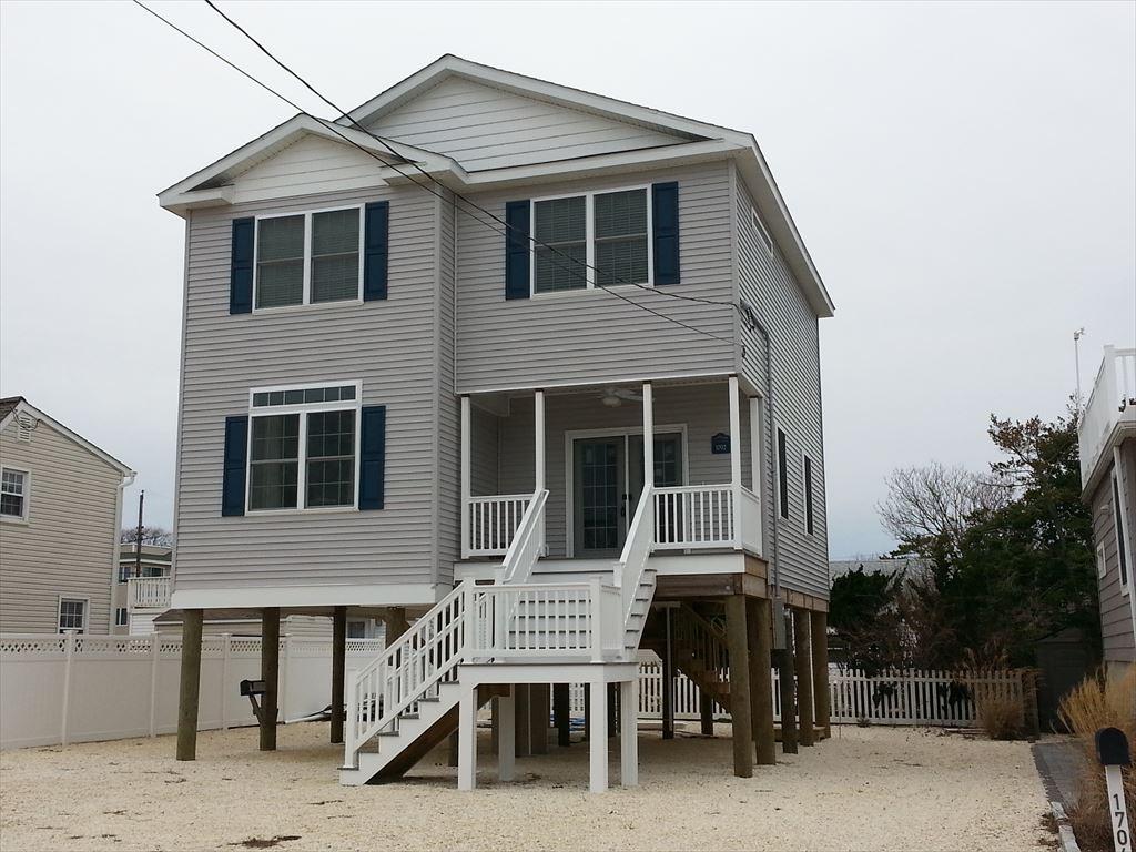 1702 Beach Avenue, North Beach Haven