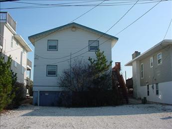 1609 So Beach Ave 2nd Floor, Beach Haven Unit: 2 Floor: 2nd