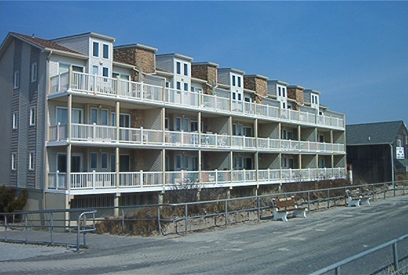 4400 Beach, Sea Isle City Unit: 305 Floor: Third