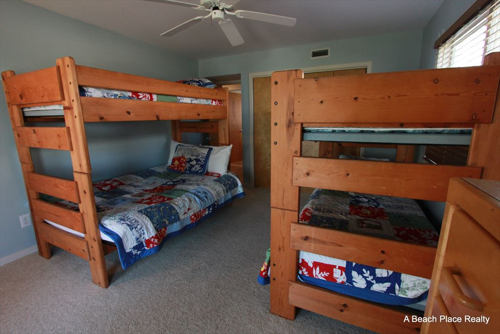 Bedroom 3, Pyramid Bunk Bed and Twin Bunk Bed