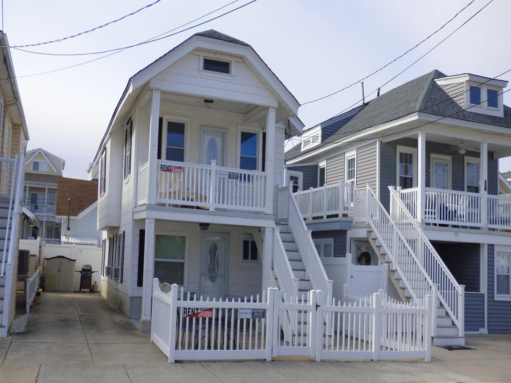 814 St. James Place, Ocean City Unit: 1st Floor Floor: 1st Floor