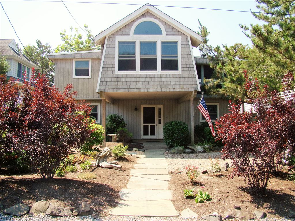 303 Alexander Ave, Cape May Point