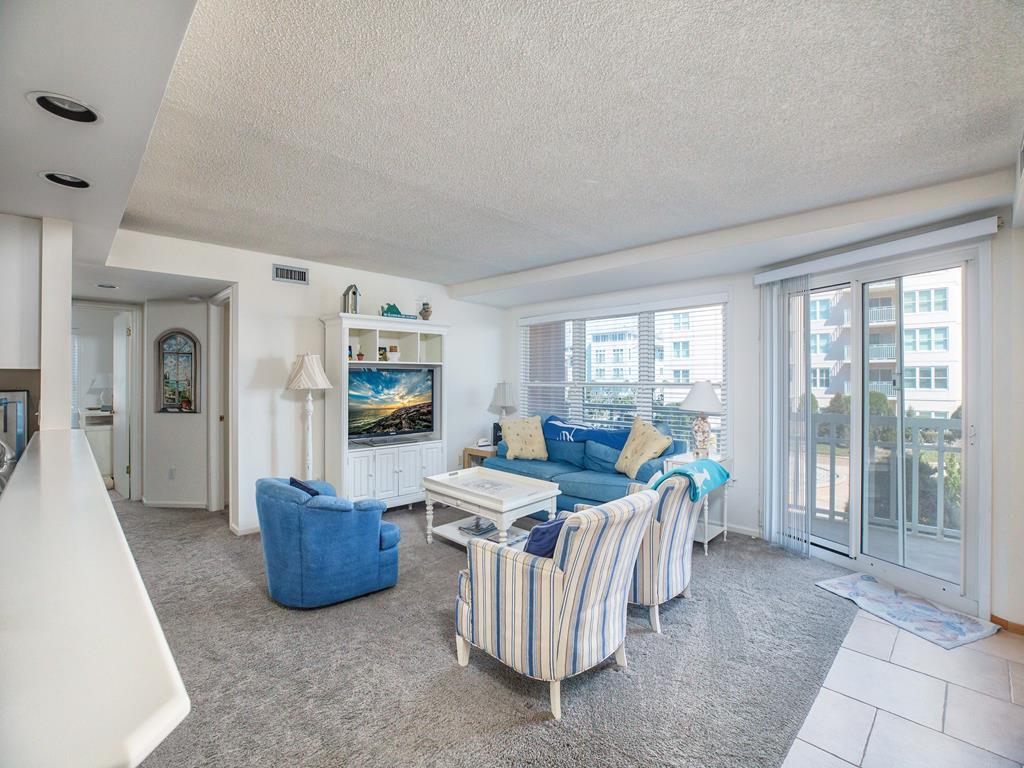 9905 Seapointe Blvd, Wildwood Crest Unit: 301 Floor: 3rd