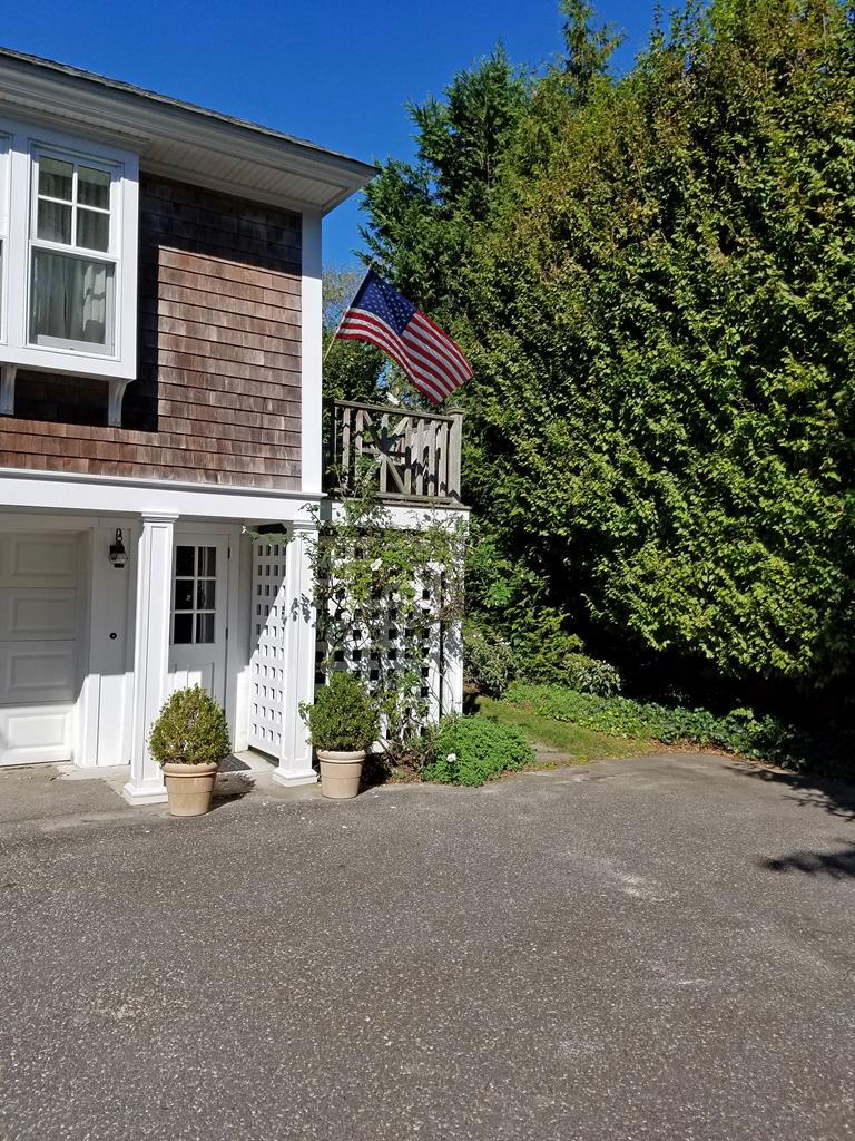 639 Seagrove Avenue, Cape May Point Unit: Rear Apt Floor: 2