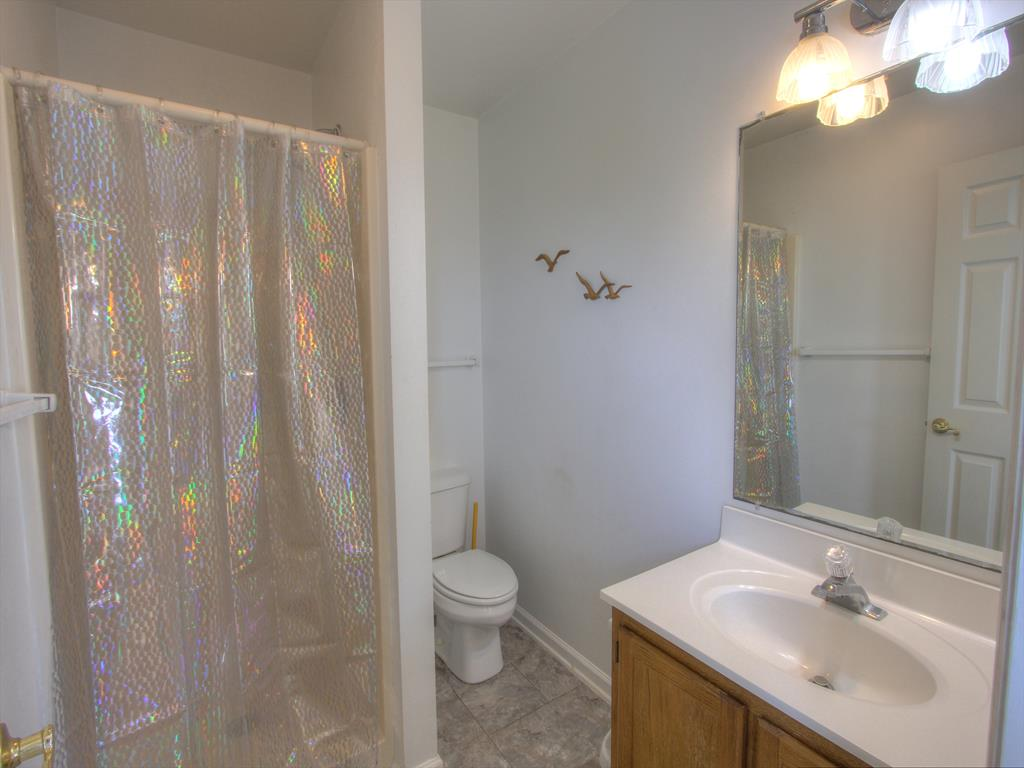 Hall Bathroom Tub/Shower