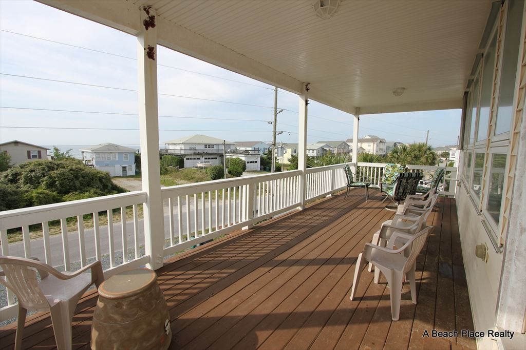 Top Floor Covered Deck