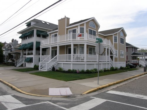1602 Wesley Avenue, Ocean City Unit: B Floor: 2nd