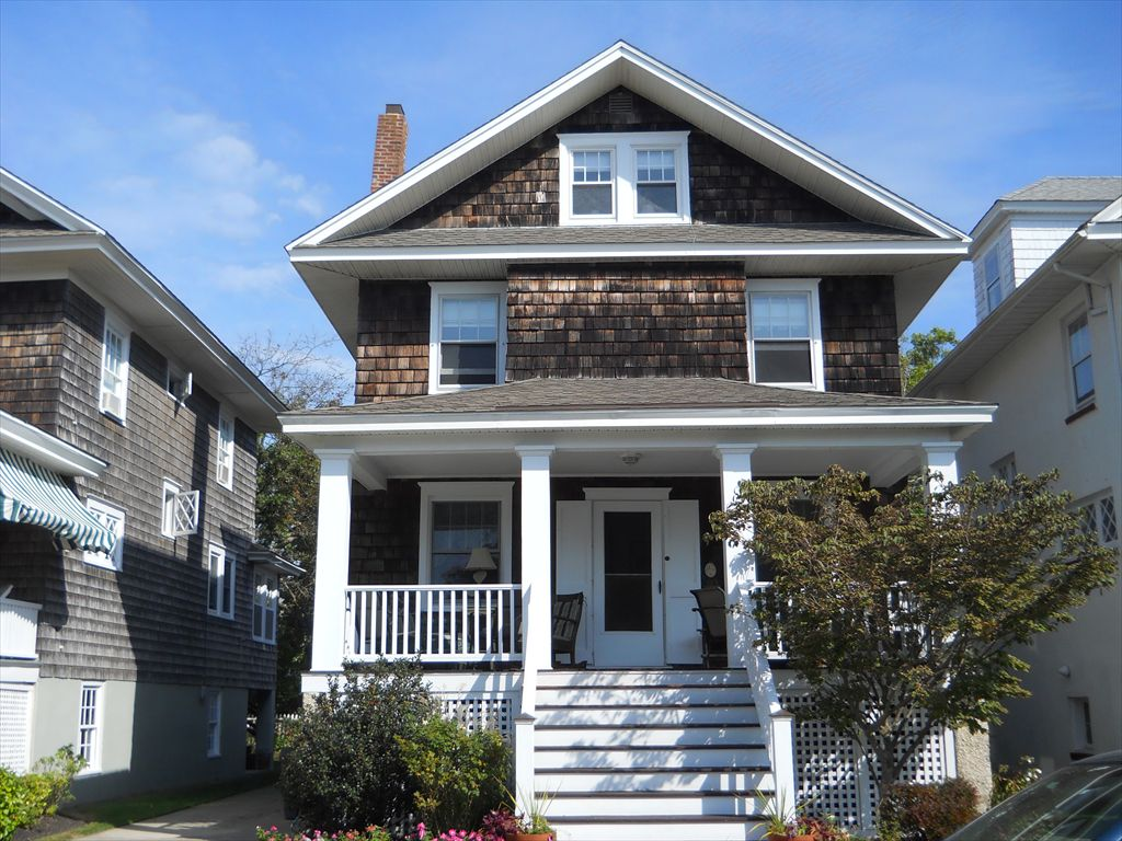815 Benton Avenue, Cape May