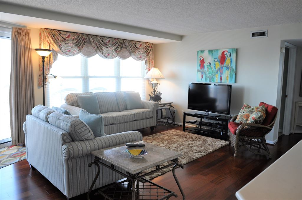 9905 Seapointe Blvd, Wildwood Crest Unit: 702 Floor: 7th