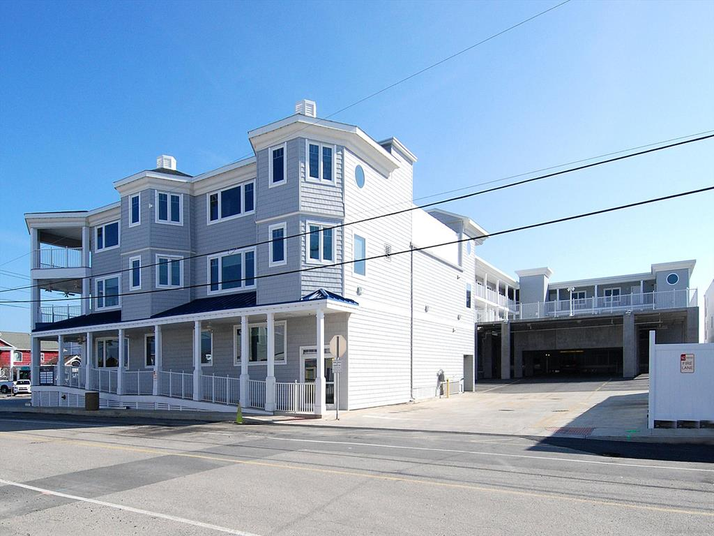 311 Blue Surf, 98 Garfield Parkway, Bethany Unit: 311