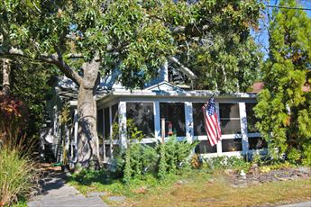 409 Holly Ave, Cape May Point