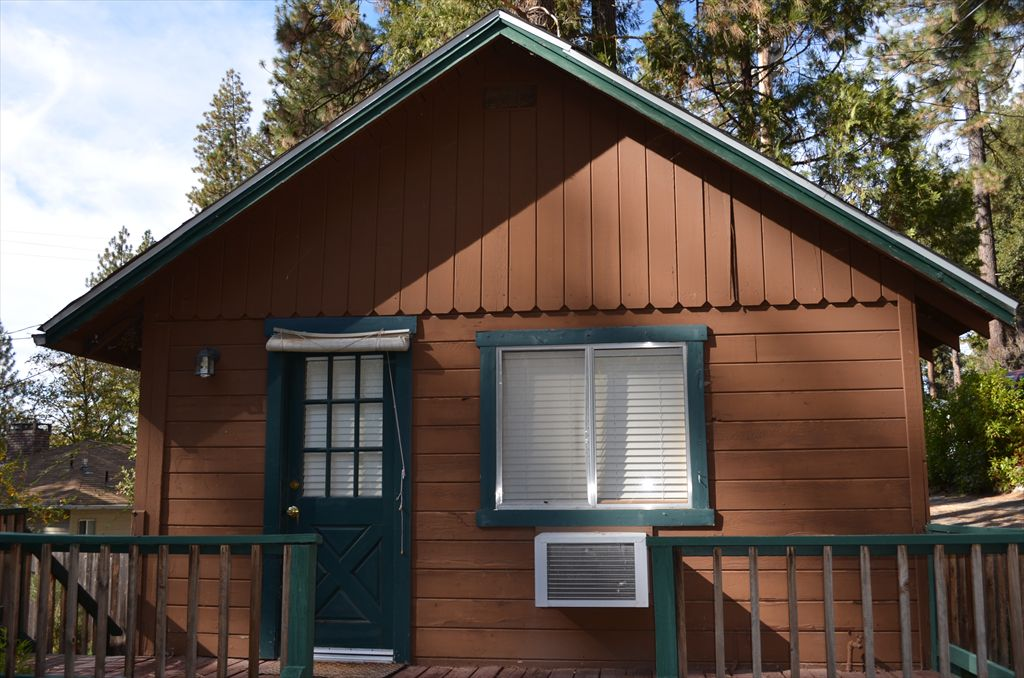 1 bd 1 ba guest cottage is available for and additional $275
