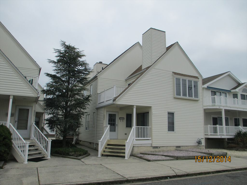 2223 Asbury Avenue, Ocean City Unit: Rear TH Floor: 1-2