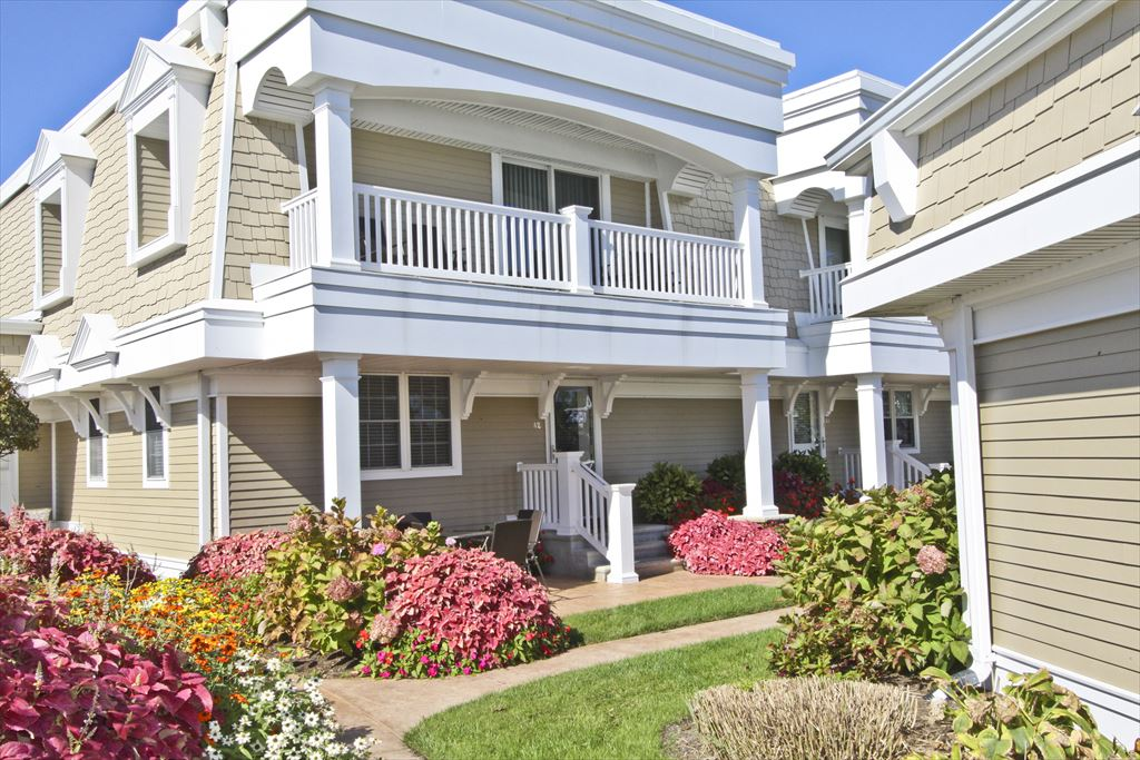 215 Heritage Triangle, Cape May Unit: A2