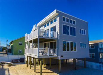 104 E Lavenia Avenue, Beach Haven Crest  Floor: 1