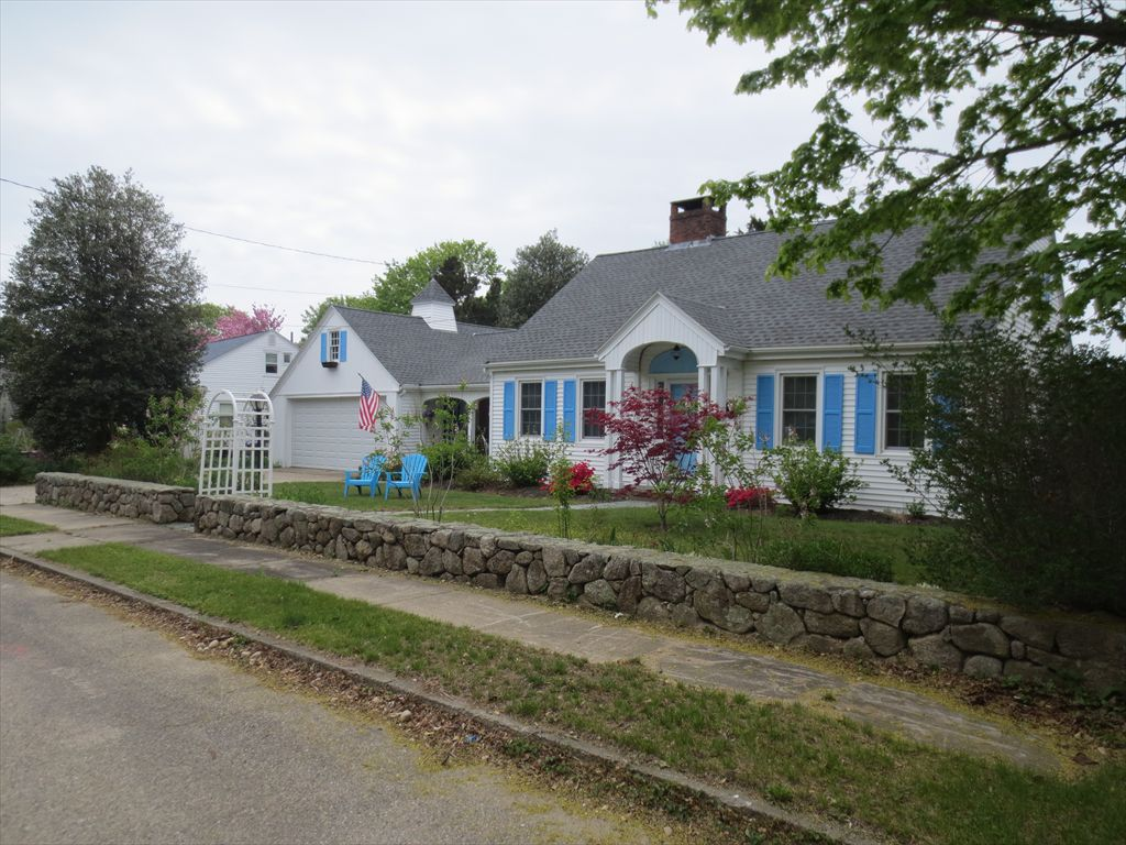 35 Prospect St, Falmouth