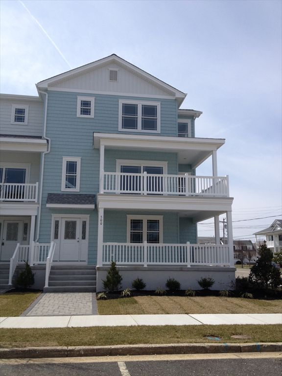500 EAST 12TH AVENUE In NORTH WILDWOOD   Four Bedroom, 3.5 Bath Vacation  Home Located