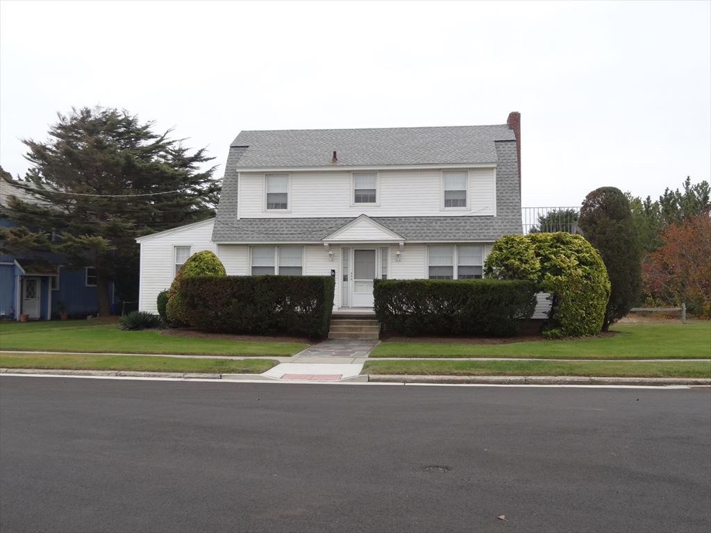 353 East Surf Road, Ocean City  Floor: Single