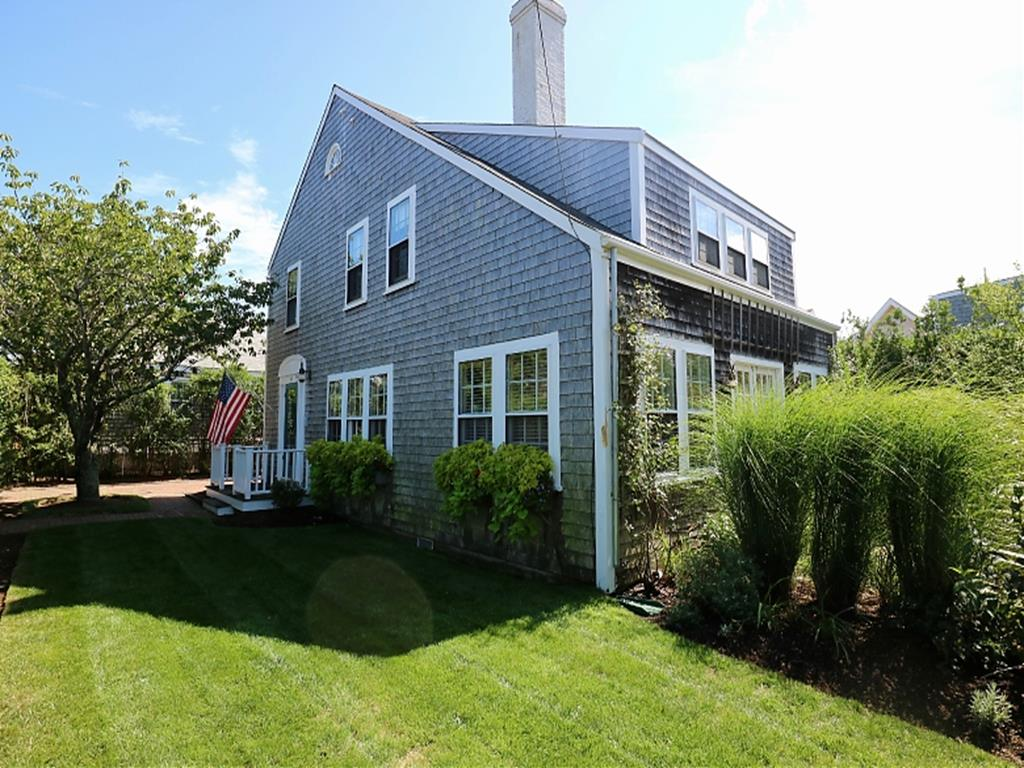 66 Easton Street, Nantucket