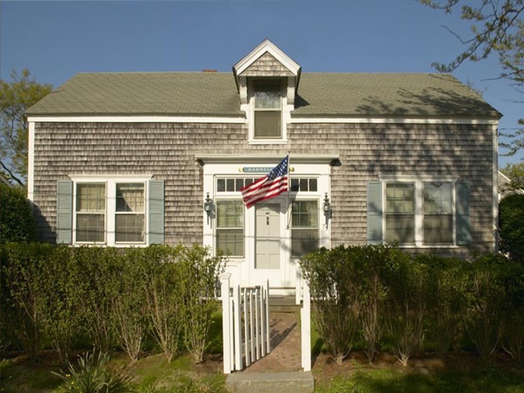 73 North Liberty Street, Nantucket