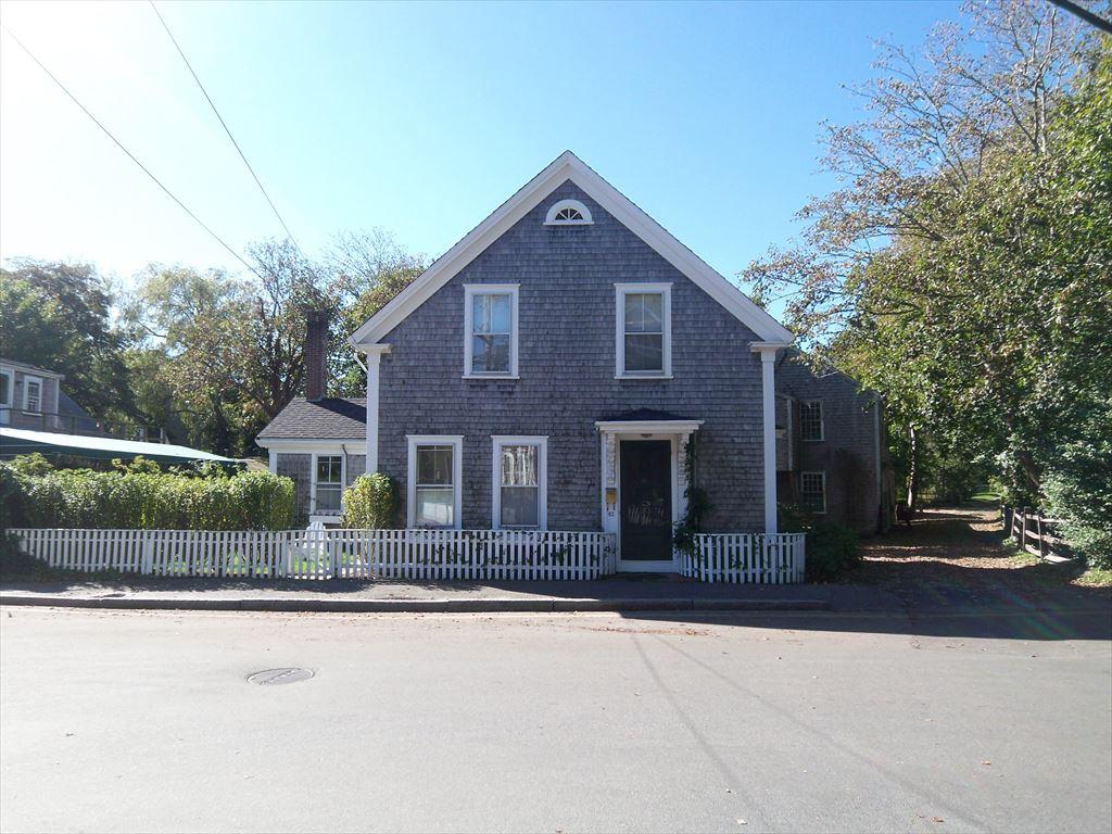 82 Centre Street, Nantucket