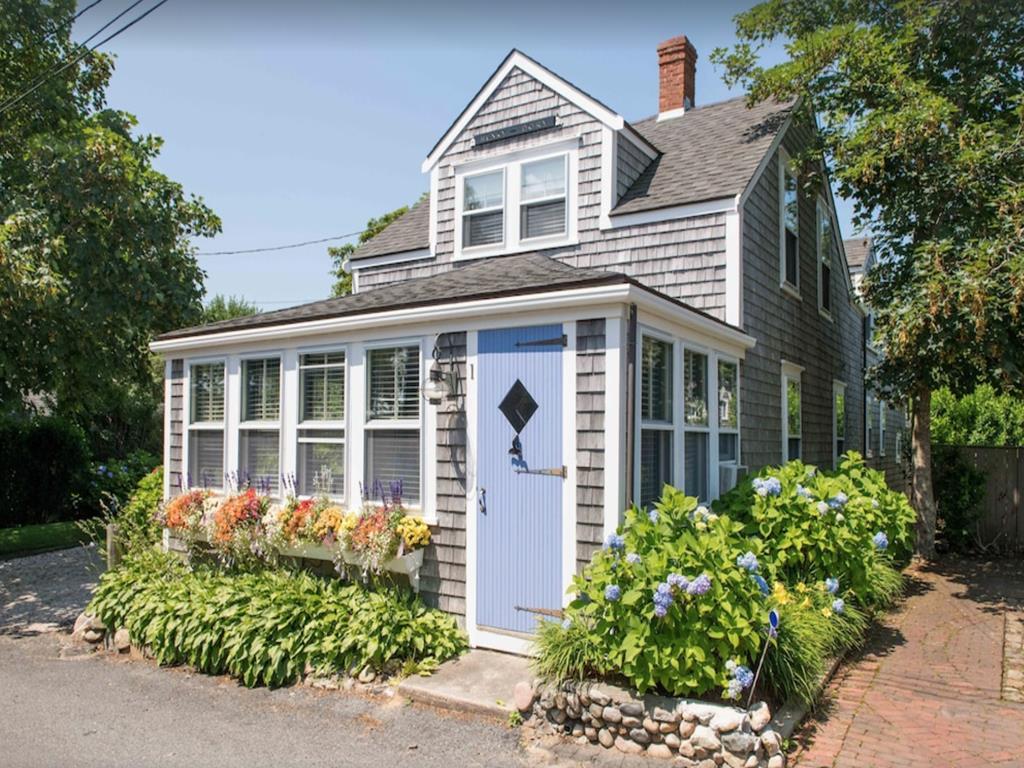 1 West York Lane, Nantucket