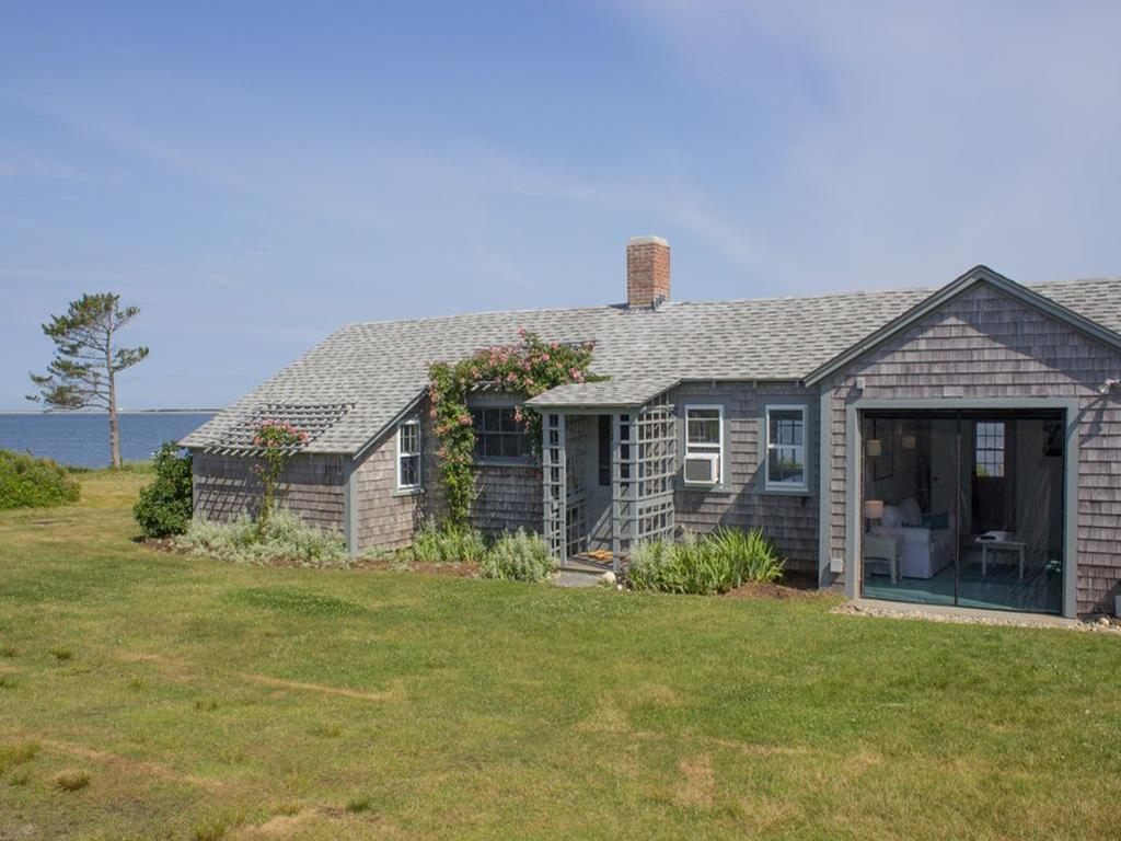 12 Village Way, Nantucket