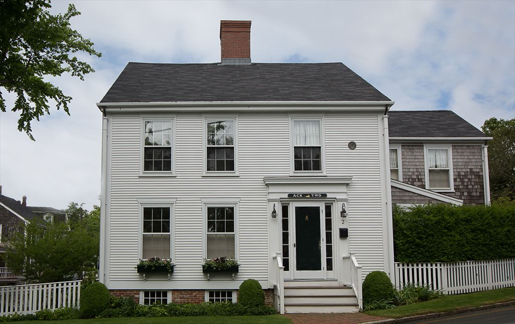 2 Cliff Road, Nantucket