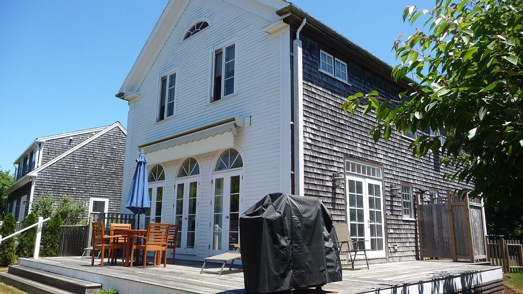 2 Dovekie Court, Nantucket