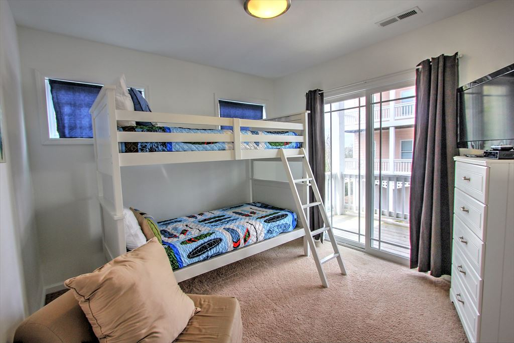 Bedroom 3 with bunk beds
