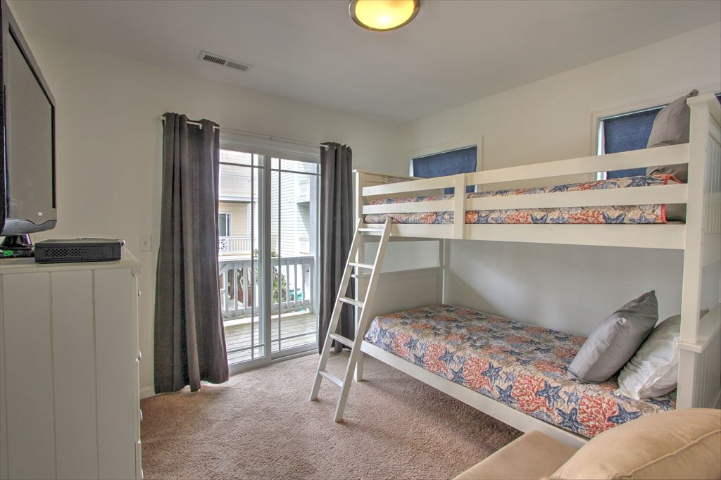 Bedroom 4 with bunk bunks
