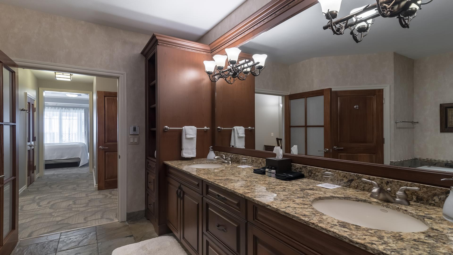 Sitting area with gas fireplace