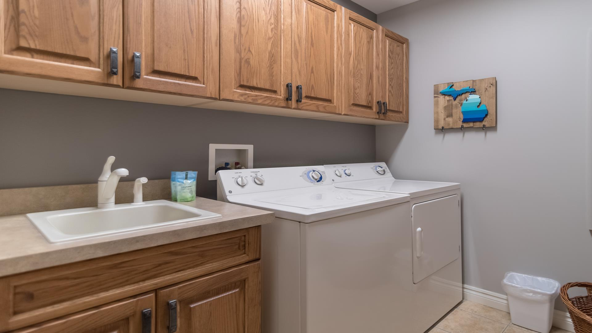 Sub Zero appliances, Viking range, granite kitchen countertops
