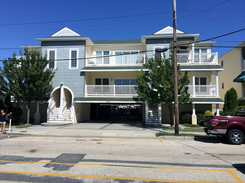 213 E Pine Ave, Wildwood Unit: 203-A Floor: 1