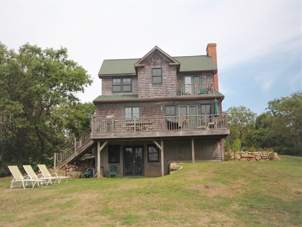 1443 Dickens Rd., Block Island