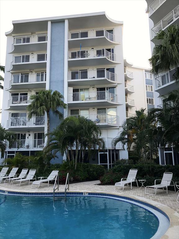 1300 Gulf Shore Blvd N, Naples Unit: 404 Floor: 4