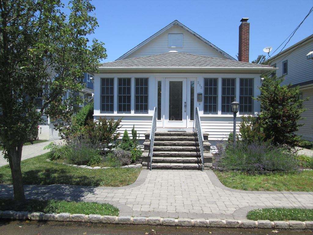 285 Windsor Ave, Cape May