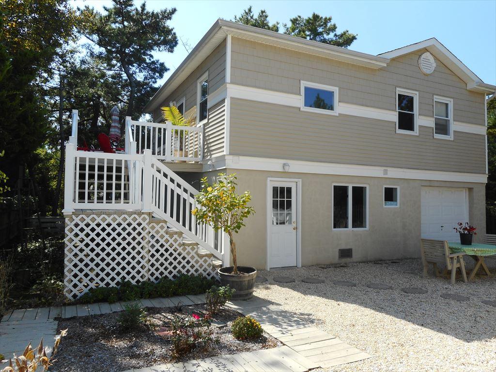 112 12th Street, Beach Haven Unit: Cottage