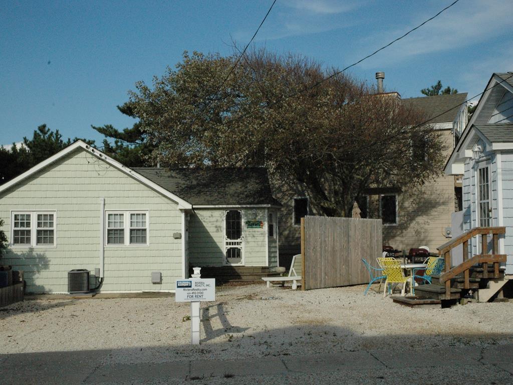 7710 Ocean Blvd, Beach Haven Crest Unit: Rear