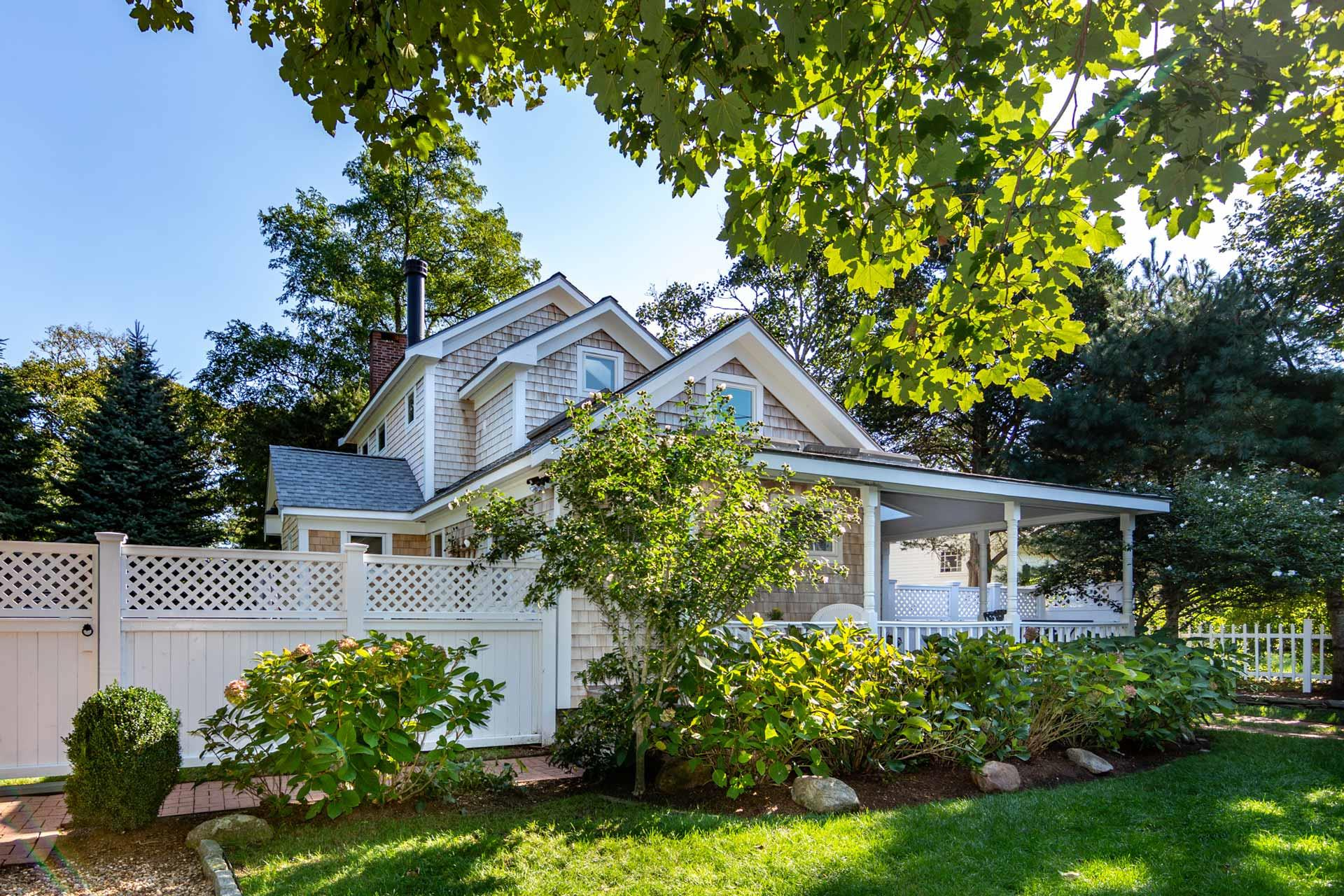 29 Pine Street, Edgartown Unit: Newly Listed