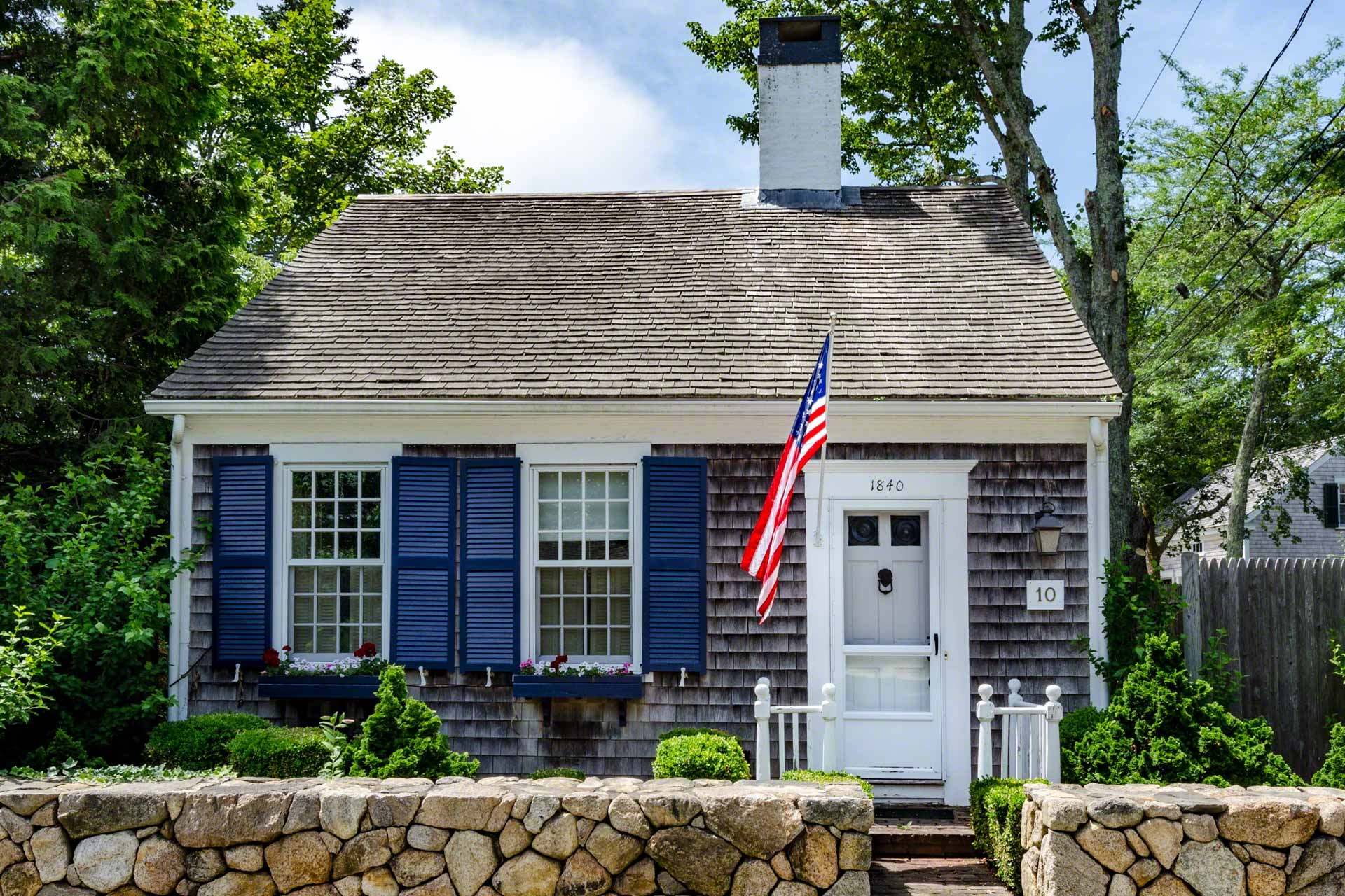 10 Peases Point Way North, EDGARTOWN