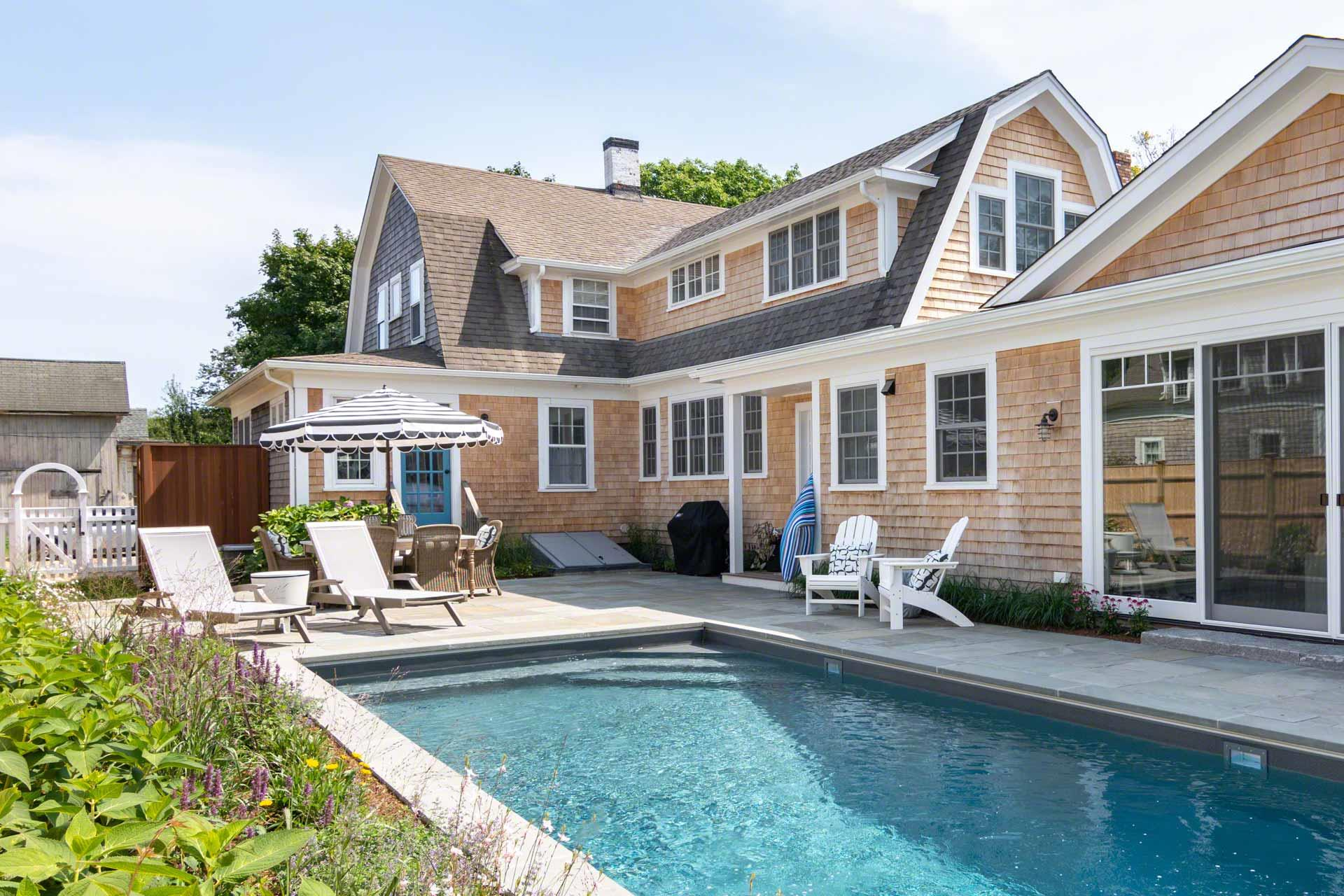 8 Green Avenue, Edgartown Unit: Newly Listed
