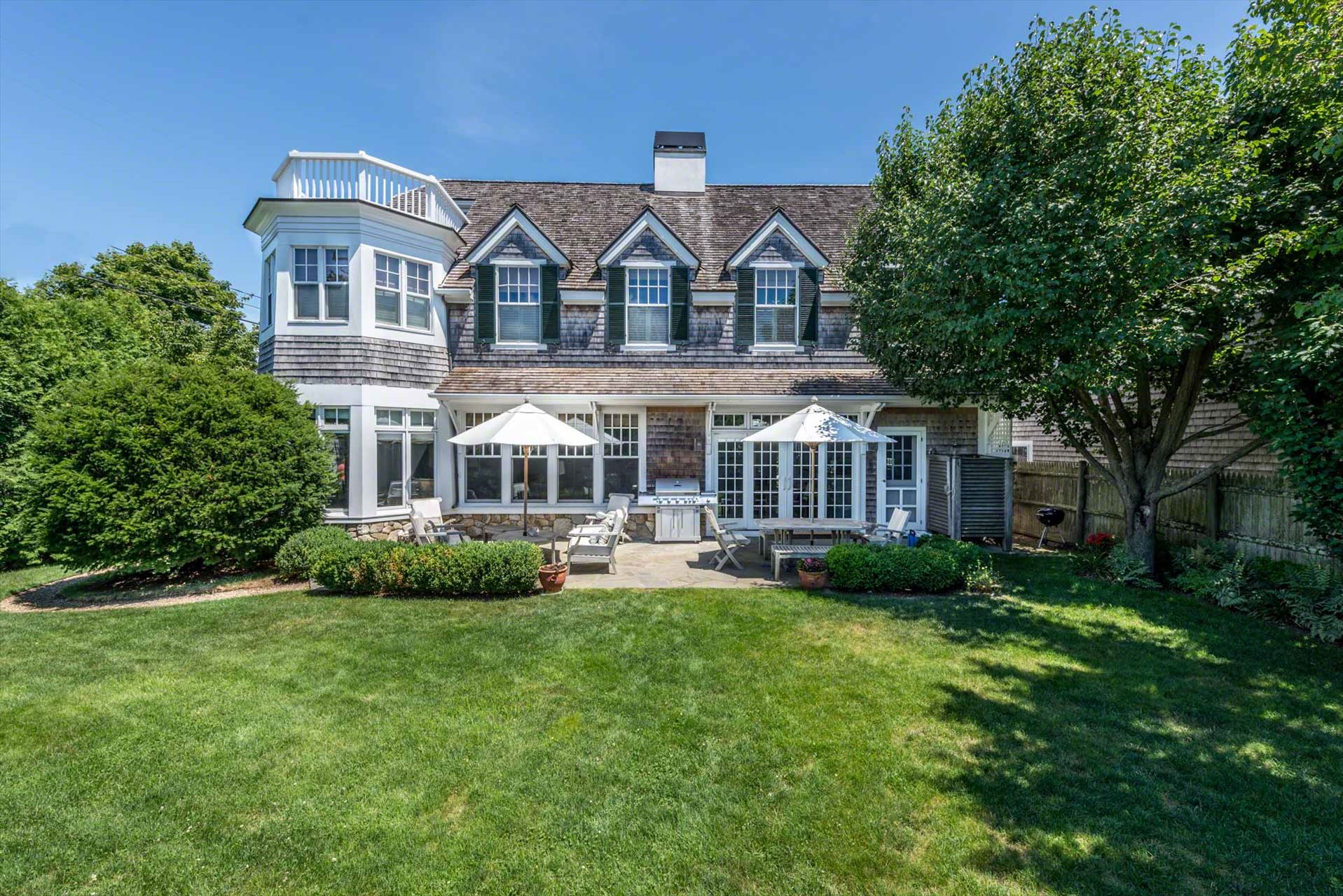 85 Peases Point Way, Edgartown
