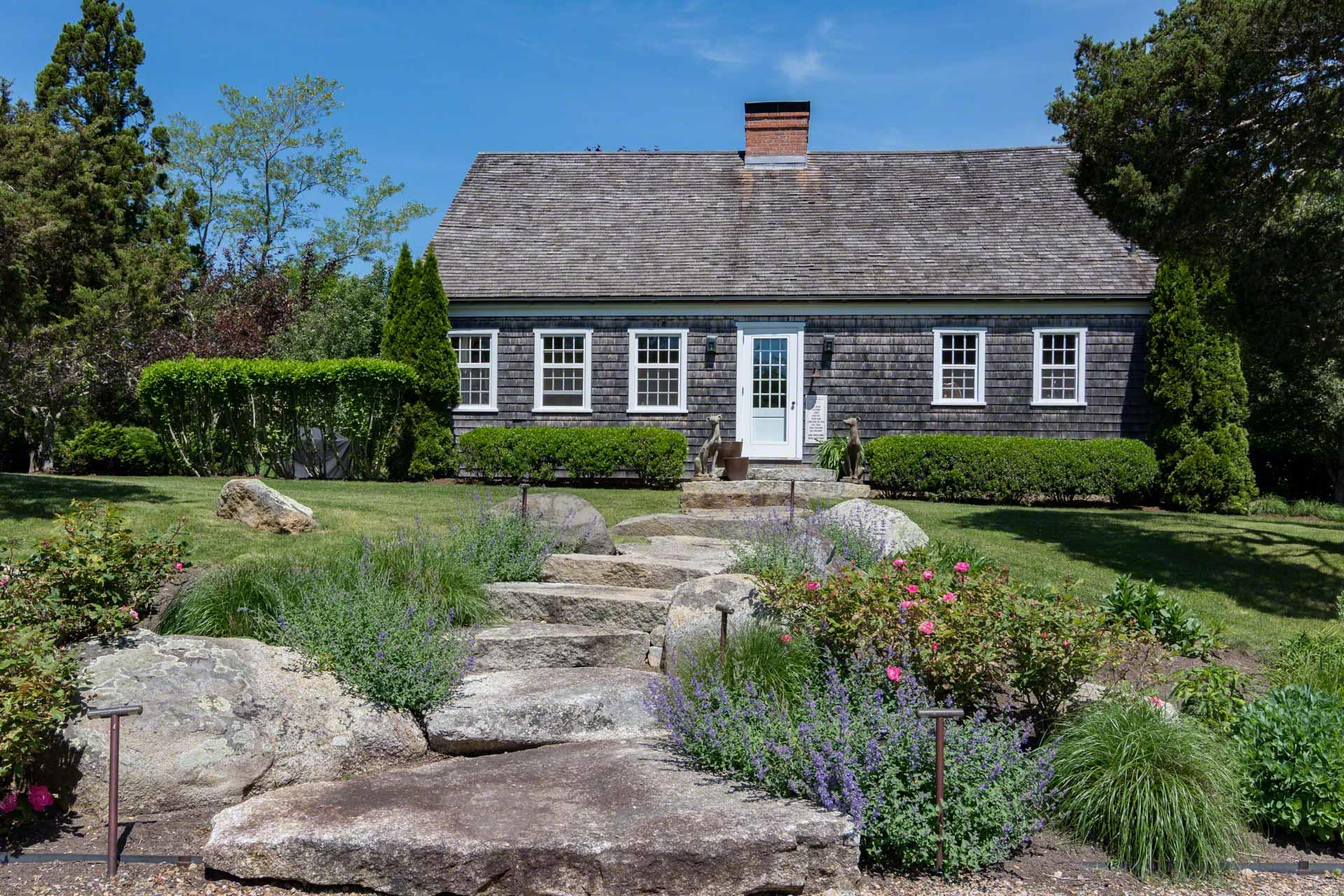 5 Mill Pondway, West Tisbury Unit: Newly Listed Floor: Featured